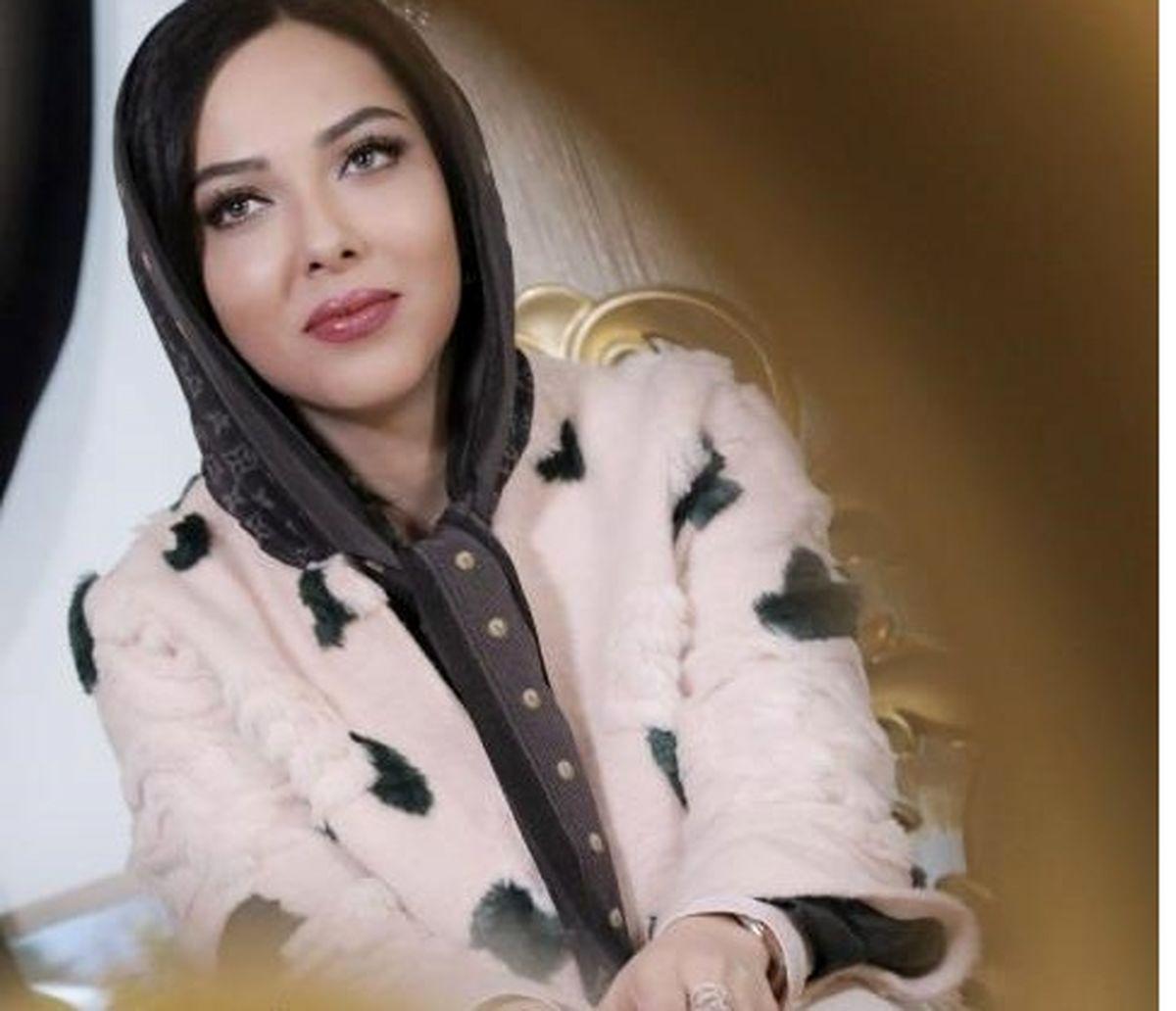 عکس دیده نشده از لیلا اوتادی بر سر سفره عقد/ شباهت جالب اوتادی و خواهرش