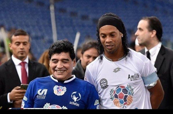 مارادونا خواهان جذب رونالدینیو شد!