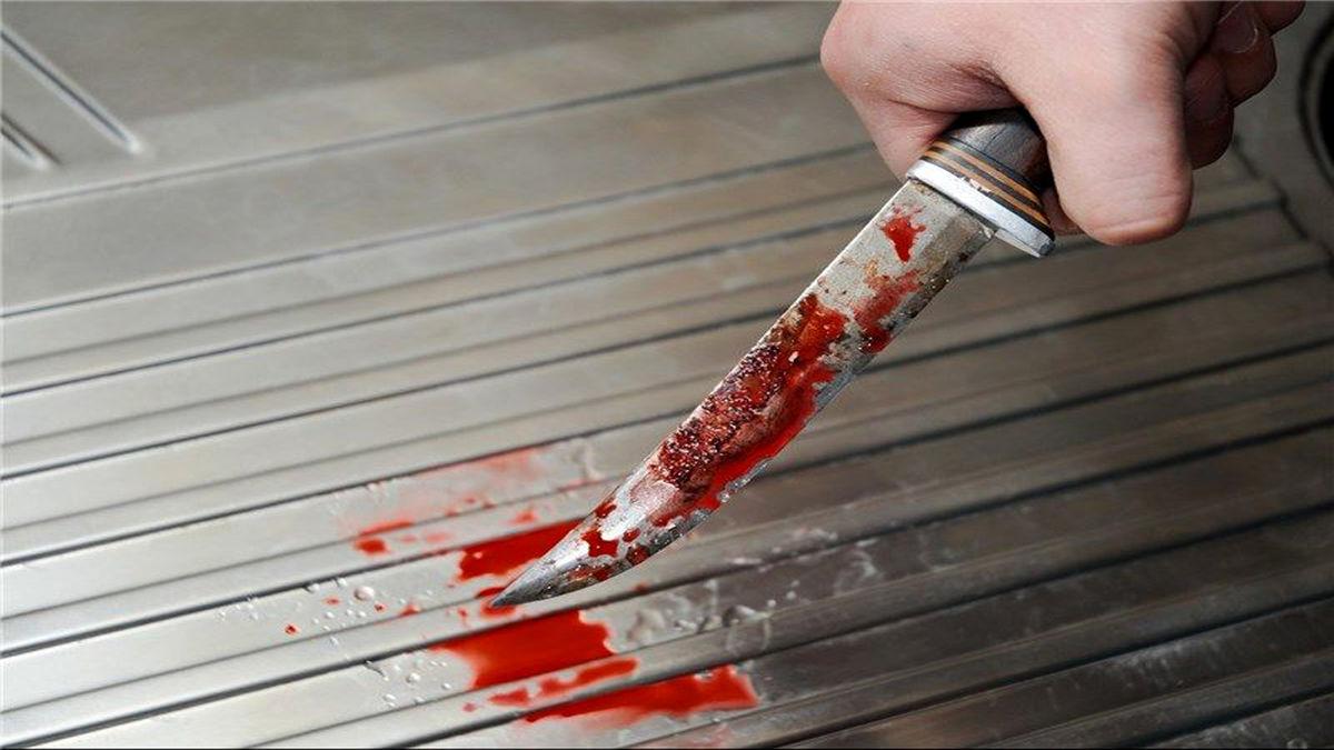 سلاخی زن جوان با چاقوی آشپزخانه + عکس18+