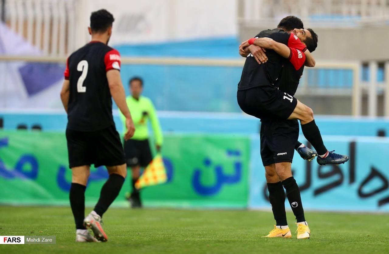 تصاویر برد پرسپولیس مقابل گل گهر و قهرمانی نیم فصل