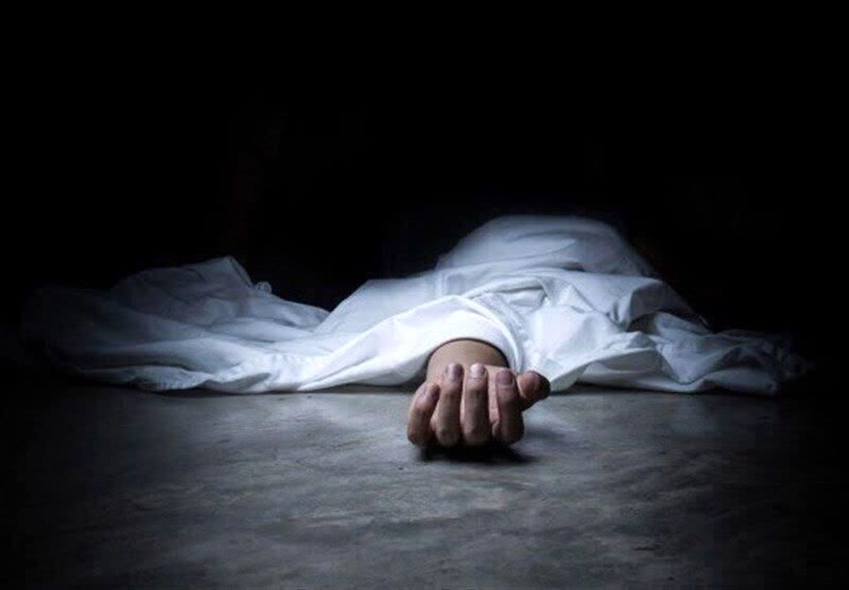 خودکشی مرد زاهدانی از روی تیر برق+فیلم18+