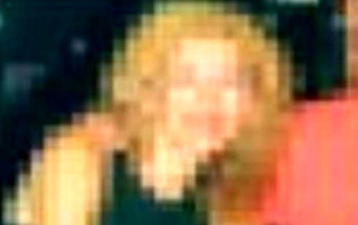 مجازات عجیب یک زن به خاطر رابطه نامشروع ! + عکس برهنه کردن زن هوسباز