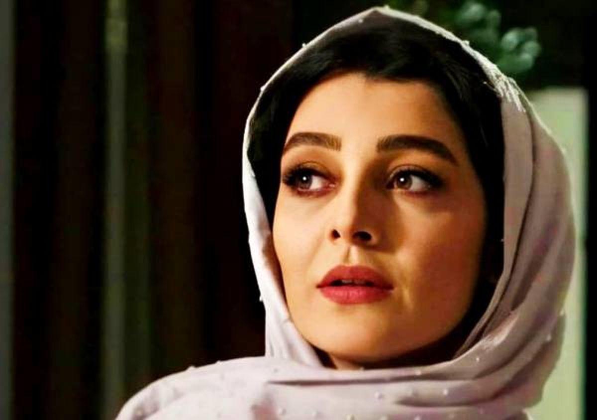 اخبار سلبریتی ها:ساره بیات وسط کار خوابش برد؛عکس لباس جنجالی ساره