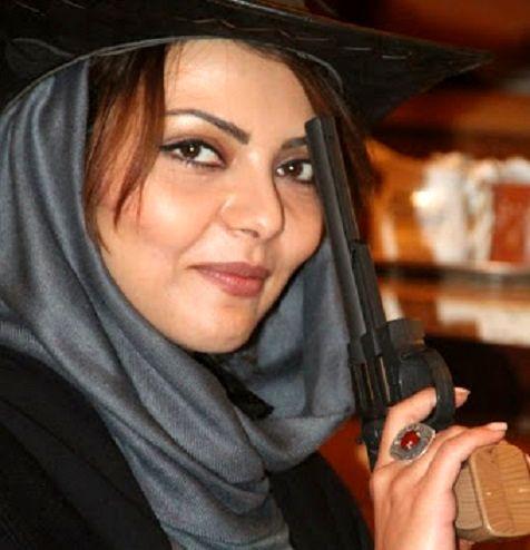 کشف حجاب خانم بازیگر ایرانی در فرانسه!+ عکس بی حجاب
