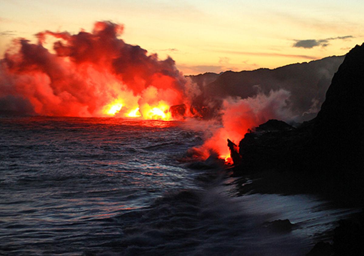 جدیدترین تصاویر هوایی از آتشفشان فعال شده در دریای خزر