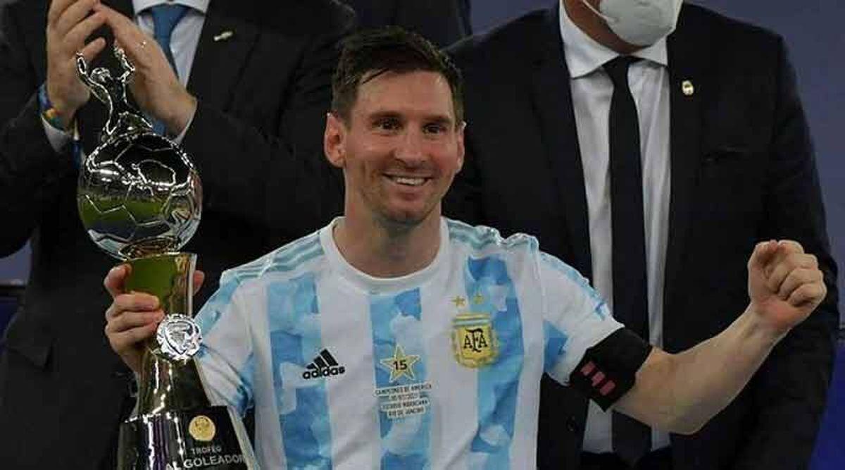 جام بهترین بازیکن کوپا آمه ریکا در دستان مسی