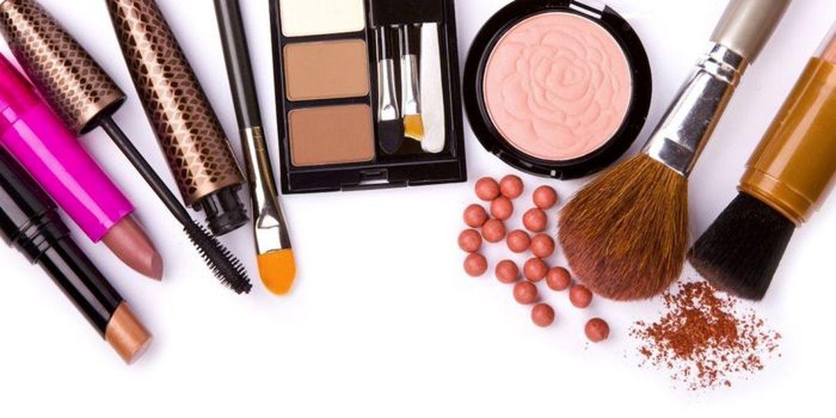 لوازم آرایش تقلبی با چربی خوک در بازار؛خانمها مراقب باشند