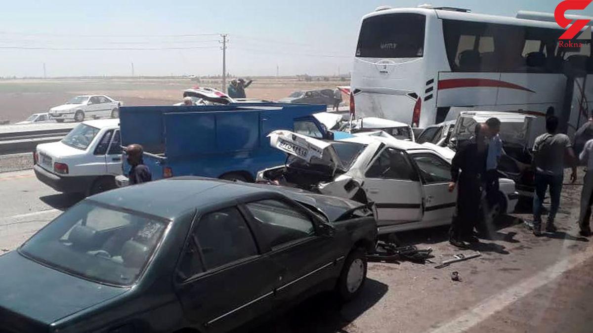 تصادف زنجیره ای مرگبار ۱۳ خودرو در اتوبان کرج؛ باز هم یک اتوبوس