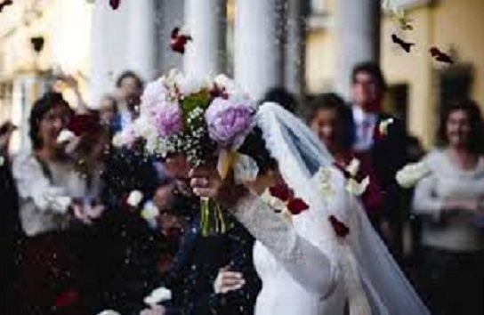 زن بیوه با گاو نر به حجله رفت! + عکس عروس و داماد